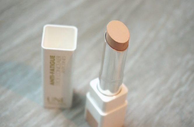 une natural beauty stick concealer
