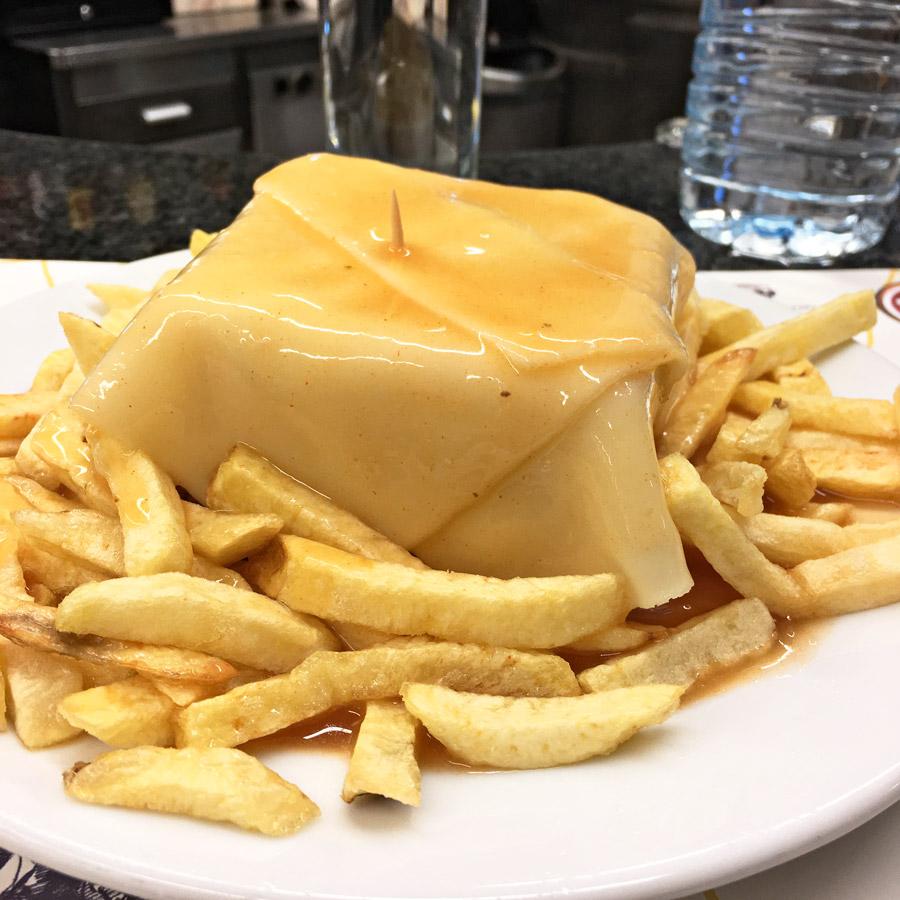 Bonnes adresses restaurant Porto Café Santiago Francesinha