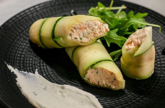 roulé de courgettes et rillettes de saumon au fromage frais