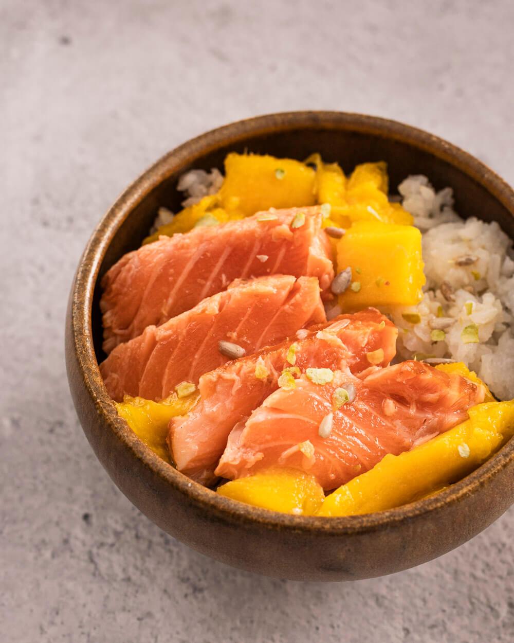 Tataki de saumon frais et mangue